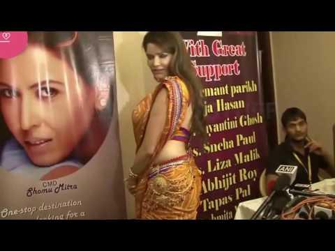 Xxx Mp4 Hot Bhabhi In Sexy Saree Looking Hot 3gp Sex
