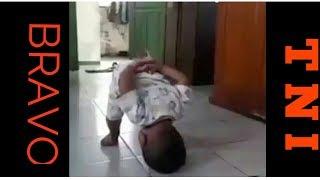 Viral !!! Anak kecil dihukum ala tentara oleh ayahnya