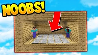 TWO NOOBS BUILD A FLOATING TRAP HOUSE! (Minecraft Skywars Trolling)