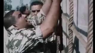 شاهد عبود وهو يؤدي تدريبات الصاعقة المصرية - عبود على الحدود