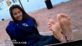 Aliza Showing Her Blue Toes On The Coast