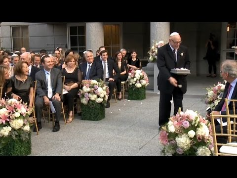 Xxx Mp4 Watch The Heartwarming Moment This Grandfather Walked Down Aisle As Flower Girl 3gp Sex