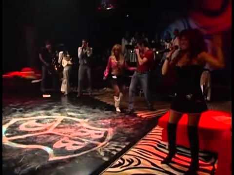 Anahi sele olvida la canción & Dulce maria salva la canción