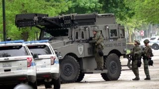 Chicago SWAT Team Storms House of Triple Murder Suspect