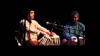 Zakir Hussain explaining Indian Traffic through his magic hands on Tabala