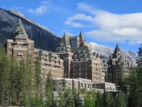 Inside the world famous FAIRMONT BANFF SPRINGS HOTEL Canada impressions & review
