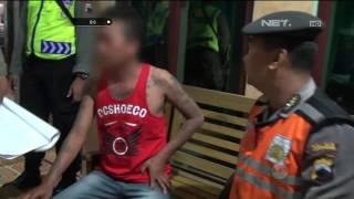 Pria Ini Marah Ketika Pentungannya Disita Petugas - 86