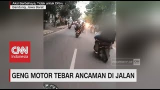 Geng Motor Tebar Ancaman: Acungkan Samurai Sambil Jalan Zigzag di Jalanan