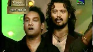 Sonu Nigam & Shaan singing Jana Kana Mana in mirchi awards 2011.mp4