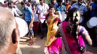 Jalikattu protest Girls Dance Marana Kuthu Dance Ever !!!