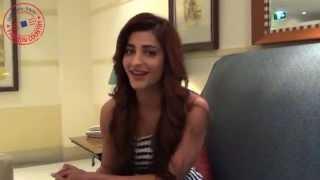 Shruti Haasan comes to fashion country