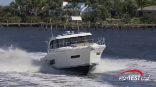 Riviera 445 SUV Test 2016 - By BoatTest.com