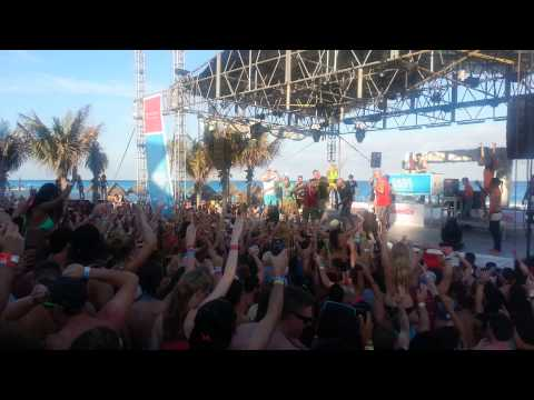 Cancun spring break 2013 beach party Pauly D spinning at Oasis Beach Party