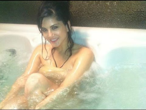 Sunny Leone --- Nude & Bare (Only For 18+)