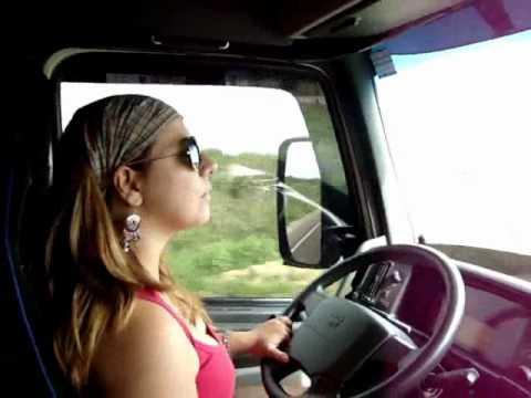 The best truck in Brazil Garota Caminhoneira Brasil