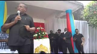 Waziri Nape Nnauye akitoa neno kwenye msiba wa Ndanda Kosovo mchana huu.