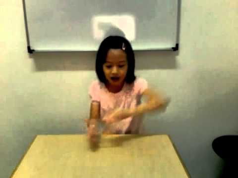 7 year old girl singing cup song :)) Soooo cute!