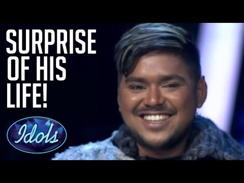 SURPRISE DUET!! The Script Join Abdul On Stage On Indonesian Idol 2018 | Idols Global