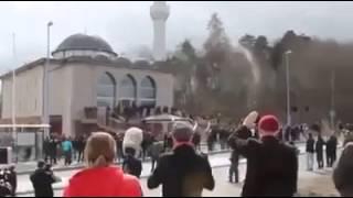 Band  masjid se aayee azan ki aawaz