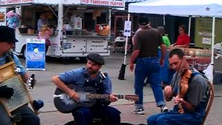 Knobtown skiffle band at the river market