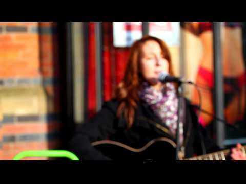 Kate Perry  - Teenage Dream - cover - Leeds Busker