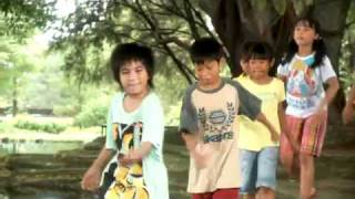 3 Sahabat sing a song