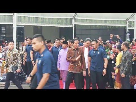 Xxx Mp4 Hadiri Kongres Kebudayaan Indonesia 2018 Jokowi Jadi Rebutan Selfie 3gp Sex