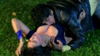Indian Hot & Sexy Actress Sapna Arm Carry By A Goon
