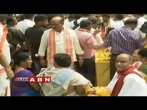 AP CM Chandrababu Naidu releases water from Prakasam Barrage to Krishna delta | ABN Telugu