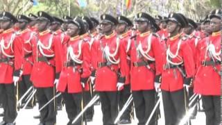 Rais Kikwete  alipowatunuku Kamisheni maafisa 437 wa Jeshi la Kongo na JWTZ Monduli Arusha