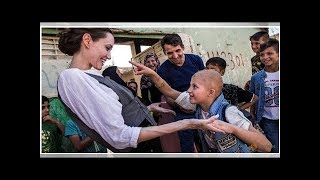 News UNHCR special envoy Jolie visits Mosul, urges support for rebuilding