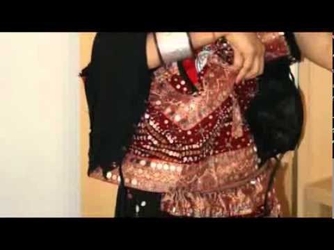 Indian aunty hot saree stripping