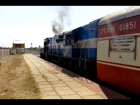 14806 Barmer YPR AC Express departing Badami SWR with Offlink