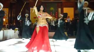 الراقصة شاكيرا مولعة الفرح ببدلة رقص نار 2018