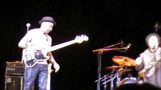 Marcus Miller feat Enzo Avitabile   Papa Was A Rolling Stone   Padova 2016 04 17