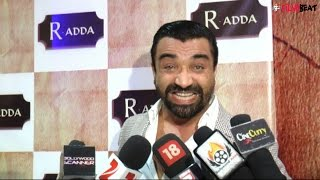 Ajaz Khan abuses Tanmay Bhat on camera, watch video | Filmibeat