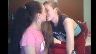 Jenna And Anja YouNow 3/29/16