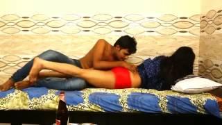 HOT MADAM JI WITH SERVENT  (HOT HINDI SHORT MOVIE .COM)