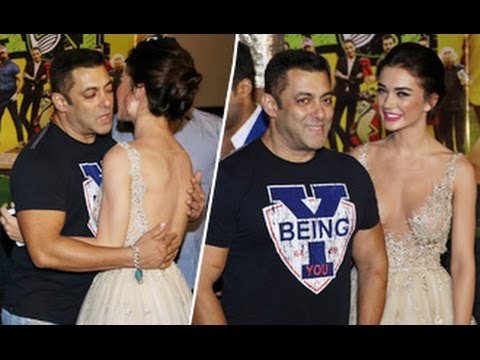 Xxx Mp4 Salman Khan OOPS Moment With HOT Amy Jackson 3gp Sex