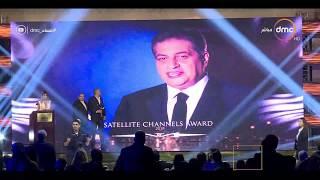 مساء dmc - | تكريم الاعلامي أسامة كمال كأفضل إعلامي بمهرجان الفضائيات العربية |