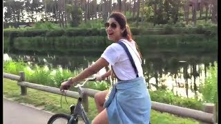 Shilpa Shetty Cycling While On A Holiday In London!