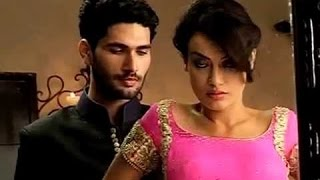 Qubool Hai: Jannat removes her blouse, very romantic scene