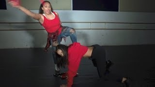 MOM TEACHES TEENAGE DAUGHTER HOW TO DANCE!! | FAMILY DANCE GOALS ft. Audra & Mariah