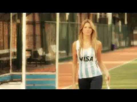 Sport 78 presentó su nueva imagen junto a Alina Moine