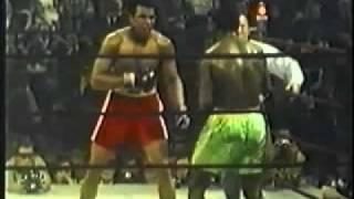 Muhammad Ali vs Joe Frazier 1 Highlights - Frazier Beats Ali