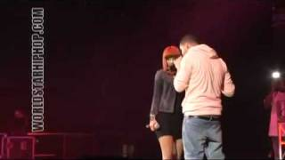 Drake Grinds on Nicki Minaj on stage and fires a shot at lil kim!