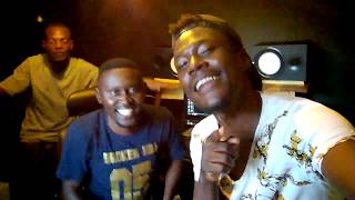 Rony Power With B Flow listening to Pa London