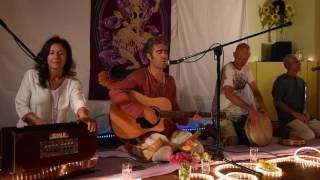 Hari Om Shiva Om - Kirtan with Nitya and Ninad