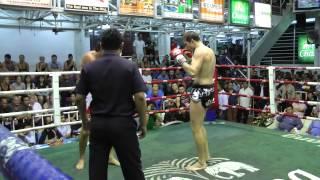 "Cristian ""Serpiente"" Bosch(Sinbi muay thai)  In a Heavyweight War @ Bangla"
