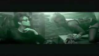 Disturbia - Rihanna (Music Video)